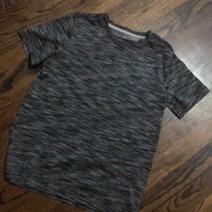 Old Navy Active t-shirt